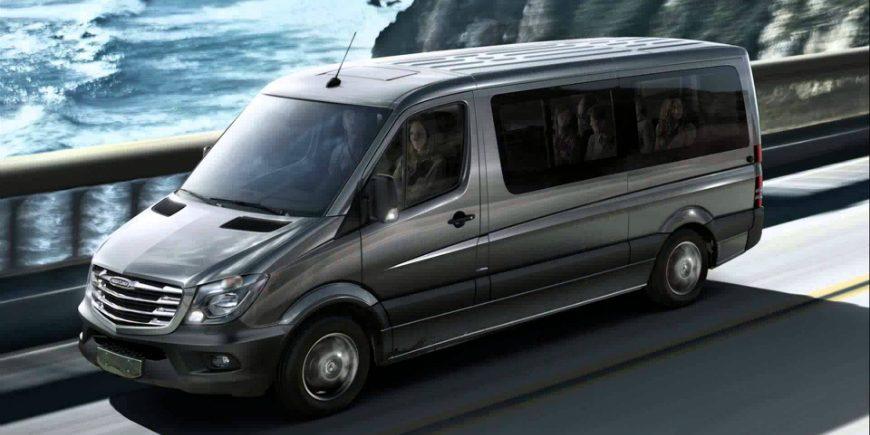 Minibus (13 large bags)